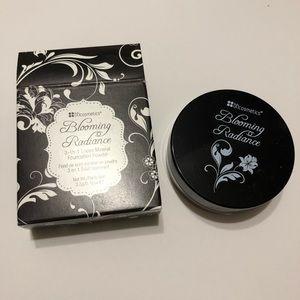 BH Cosmetics Loose Mineral Foundation Powder